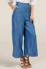 Olivia Wide Leg Cropped Jeans at francesca's