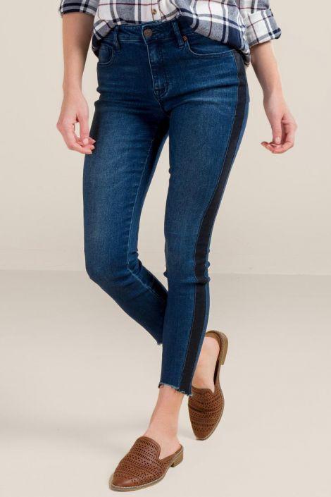 Harper Heritage Side Striped Scissor Hem Jeans at francesca's