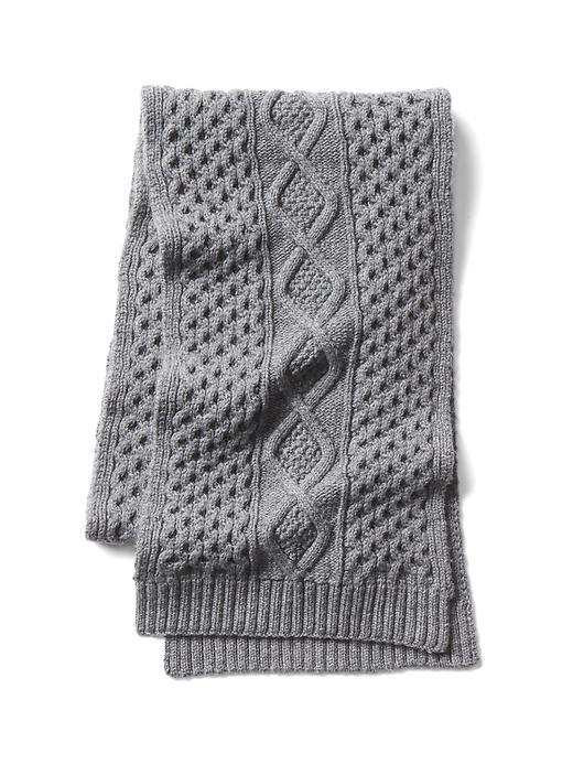 Merino cable knit scarf